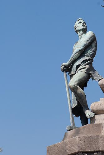 Sledge hammer statue